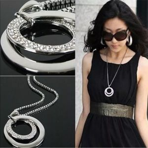 Double-Circle Crystal Pendant Necklace Silver Tone